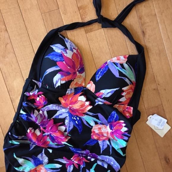 NWT ST. JOHN'S BAY SIZE 14 One Piece Swimsuit
